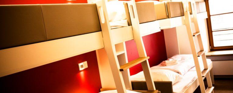 Beispiel Mehrbettzimmer: einfach aber gut ausgestattet