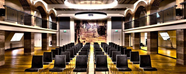 Großer Tagungssaal für 200 Personen